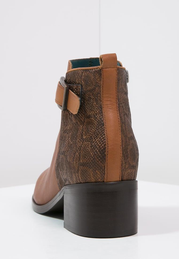 Femme Bottines \u0026 Boots Karston GLELINZ , Boots à talons , camel,chaussures  karston poitiers